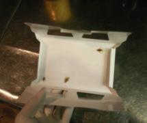 ゴキブリ駆除 トラップを設置しゴキブリ、害虫を捕獲